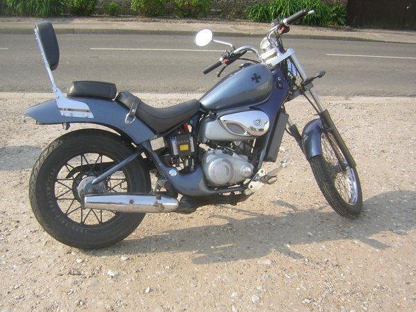 la moto de ma femme ,mais elle la plus