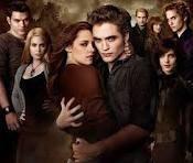 Twilight !!!! J'ADORE !!! Que ce soit en livre ou en film je les SURKIFFS !! Perso je prèf en livre <3 :$