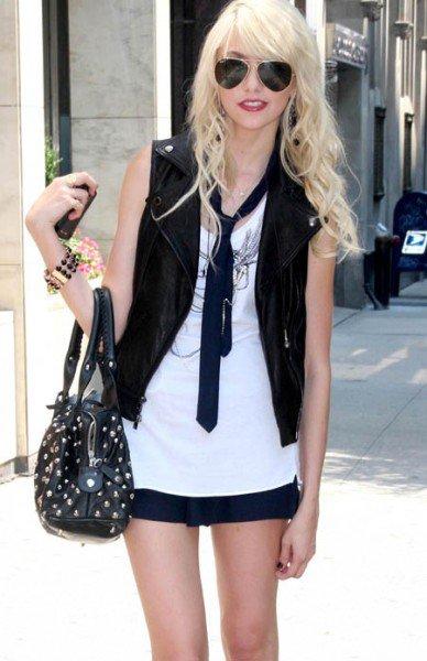 1: Taylor Momsen