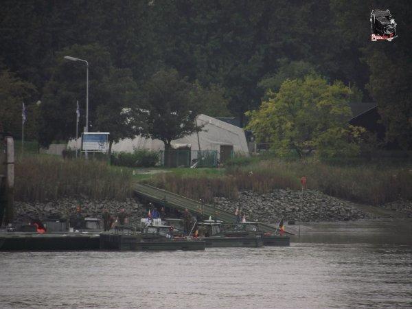 Commémoration 14-18 :ponton flottant à Anvers