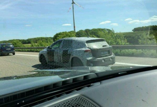 Ford focus 2018 vue sur l autoroute entre louvain et la Hollande