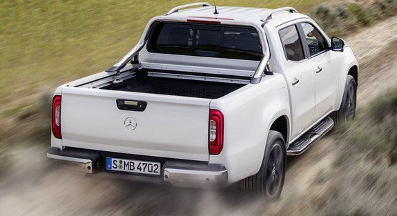 mercedes vient de presenter la classe x c est la pick up de mercedes