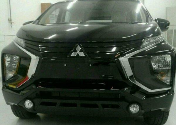 Mitsubishi mpv le nom n est pas encore connu mais elle arrive bientor ca se precise avec les teaser