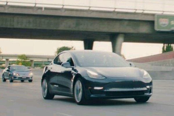 Tesla model 3 elle a ete presentee hier