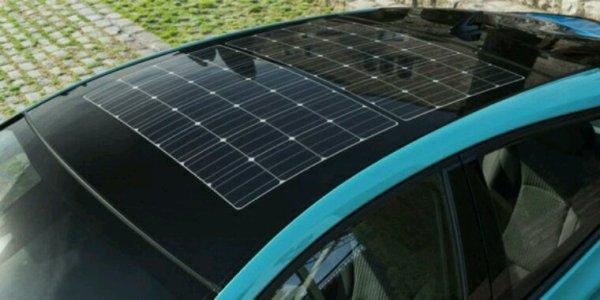 Toyota prius avec toit solaire en projet