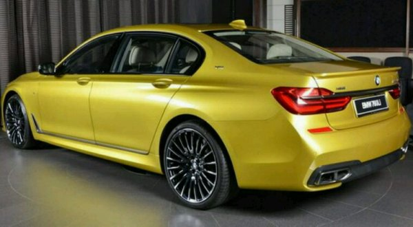 Bmw 760iL en jaune metal la teinte c est austin yellow