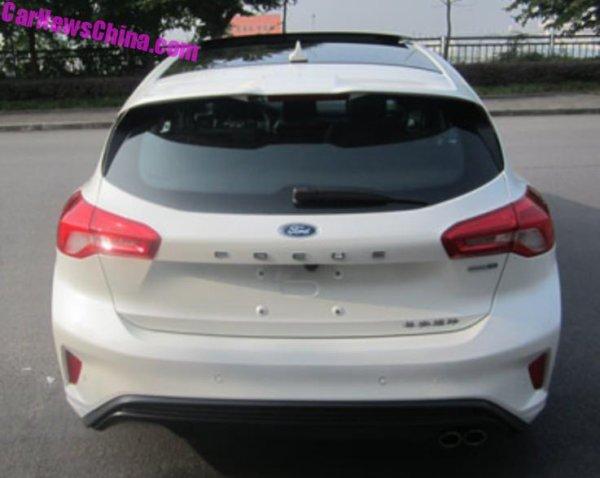 la nouvelle ford focus 4 en chine aussi bien en 4p que 5p