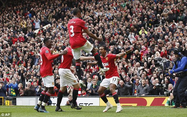 Manchester United   4  Rooney (41, 69), Welbeck (57), Nani (60)  Everton   4  Jelavic (33, 83), Fellaini (67), Pienaar (85)
