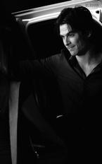 Est-ce que tu compte mettre Damon et Amanda ensemble tout au long de ta fic ?