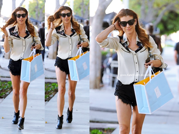 -   29/10/2014 : Kate arrivant/quittant un salon de coiffure dans West Hollywood.  -
