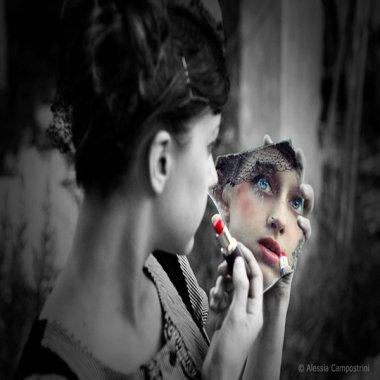 """. ______________ """"Au fond, c'est ça la solitude : s'envelopper dans le cocon de son âme, ________________ ____________se faire chrysalide et attendre la métamorphose, car elle arrive toujours. """" _____________________________________________________________August Strindberg ."""