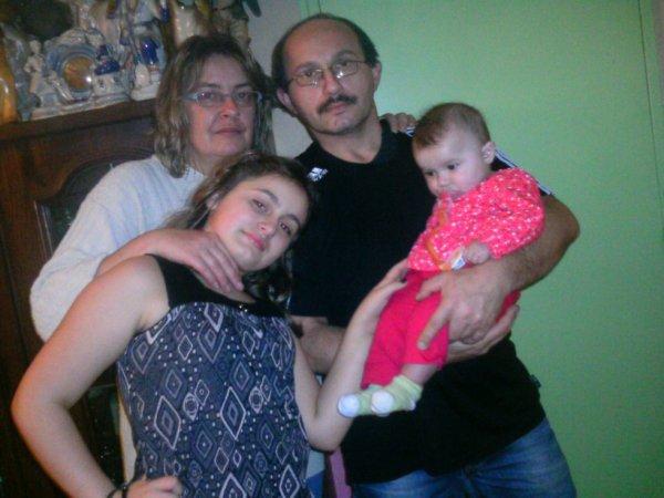 mes parents moi et la petit zaza
