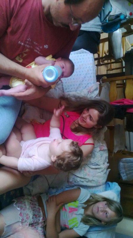 mon papounee tymeo ma petite niece zaina et ma couse celia ainsie que moi