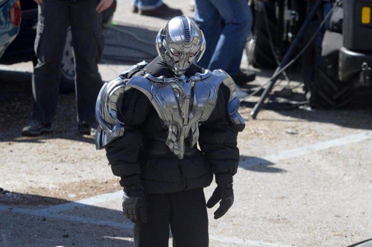 AVENGERS 2: Les Dernières Images Du Tournage; Ultron Fait Son Apparition!