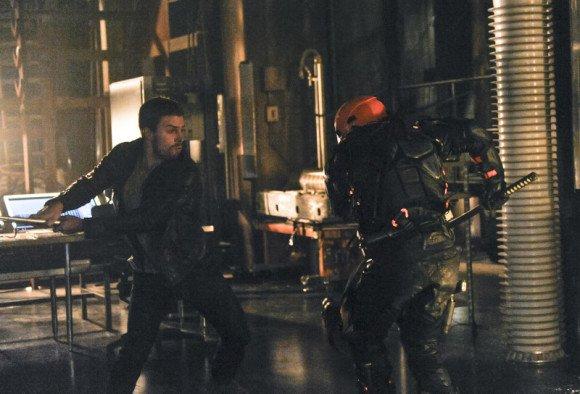 """Les Images De L'Épisode 2x19 D'ARROW; """"The Man under the Hood"""""""