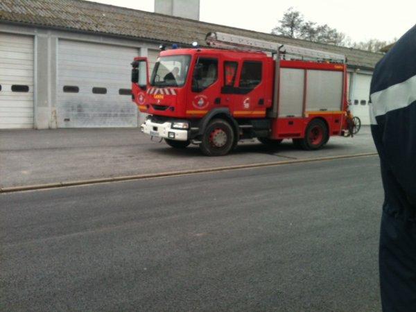 Les 3eme du collège de Sainte Ménehould en visite chez pompiers du 12 février 2013