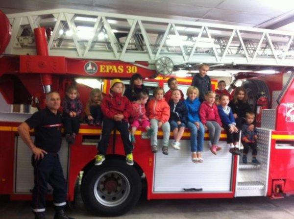 Le RAM de Sainte Menehould en visite chez les pompiers
