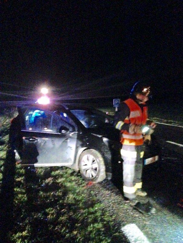 Accident deux voitures en choc frontal