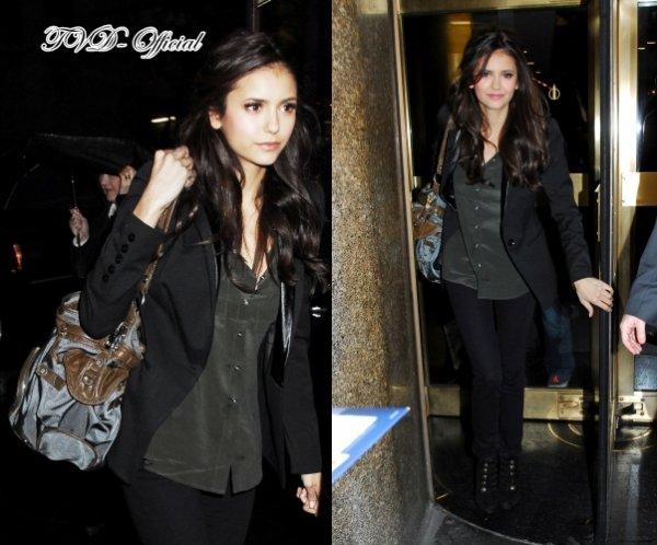 Nina arrive au Jimmy Fallon