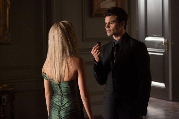 Elijah aurait-il craqué pour Elena ?