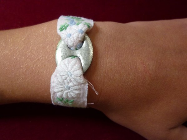 bracelet rose, bleu, vert et argent