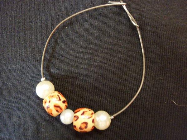 Bracelet Perle blanche et perle léopard
