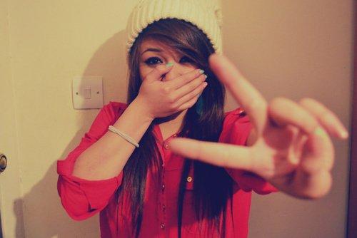 Sans amour, la vie n'existerais pas, car c'est grâce à des personnes amoureuses que nous sommes tous ici, présent.♥