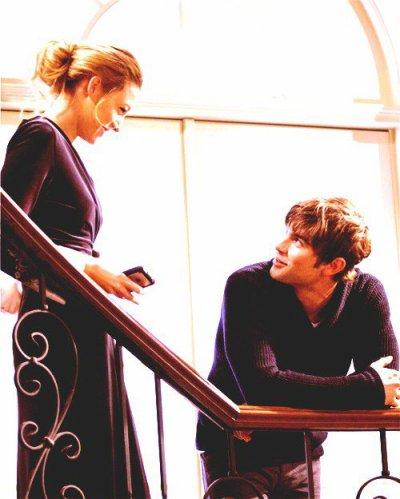 Il arrive que les mots prononcés à haute voix en bonne compagnie guérissent. Et monter lentement dans un immense amour...  -  Katherine Pancol