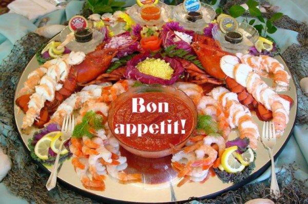 bonjour mes amis(e)s.. je vous souhaite un très bon appétit .. et un agréable après midi de samedi, ici pluie et vent .. bisous Josie ♥♫♥ http://josie2arles.skyrock.com/ ♥♫♥