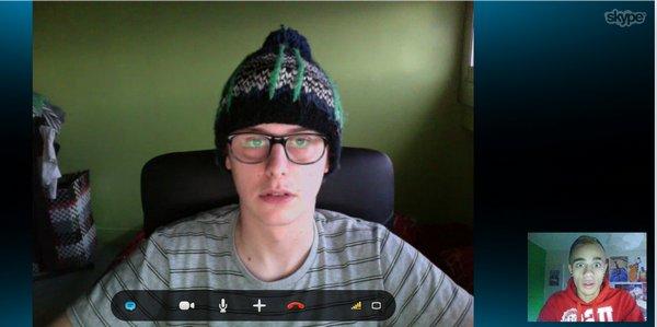 {7Jan.2012} Twitter: Skype entre Norman & Yvick
