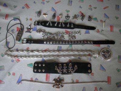 Bijoux ( pendentifs, colliers, bracelets...)