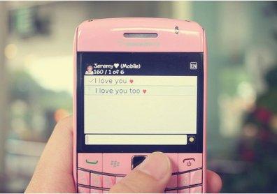 ~ Je suis désolée de t'aimer. Mais je suis incapable d'arrêter..