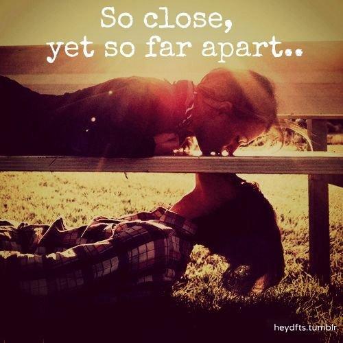 A tout les gens qui sont loin de leurs amour.