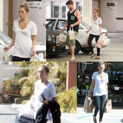 Miley Et Liam Faisant des courses chez Trader Joe's à Studio City, CA - le 5 septembre 2011