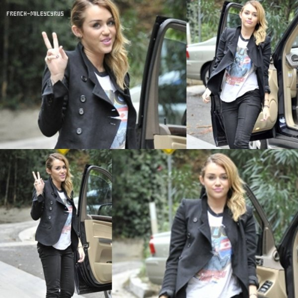 Miley De sortie à Studio City, CA - le 6 novembre 2011