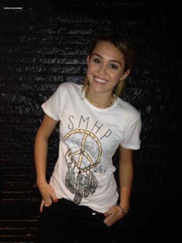 Miley a fait un photoshoot pour la campagne NOH8.