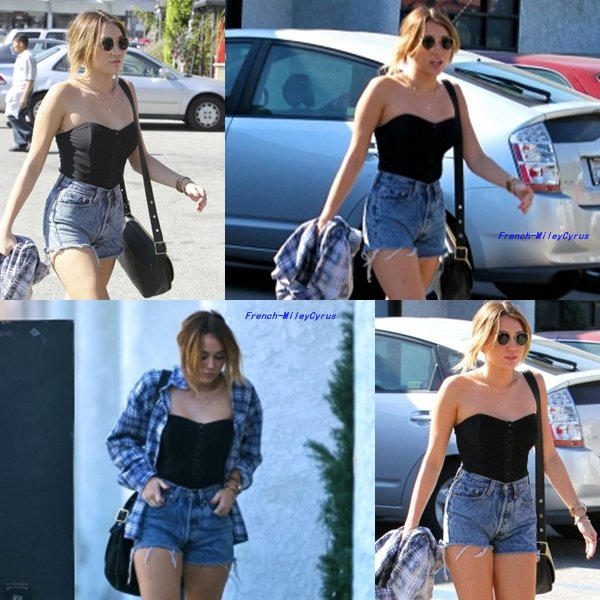 Miley Se rendant au Studio Cafe de Studio City, CA - 3 février