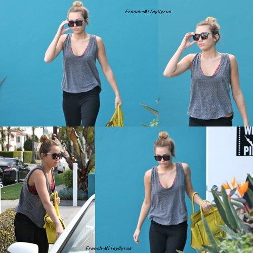 Miley Quittant son cours de pilates dans West Hollywood, CA - 29 février