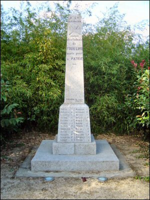 thorigne fouillard 35 monument+stele