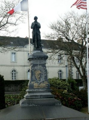 tinteniac 35  monument+stele