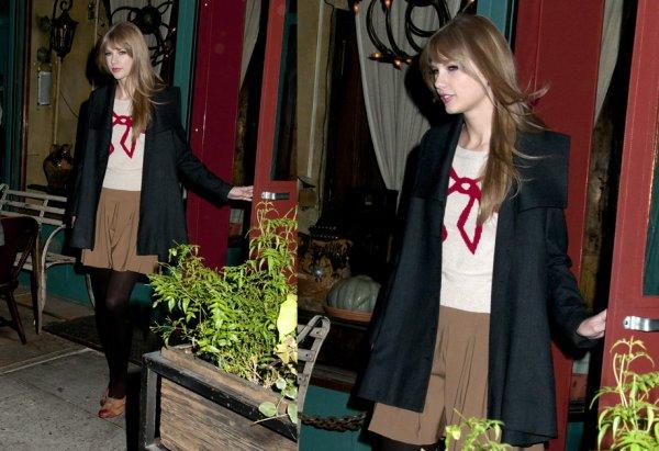 2 Décembre (midi) ღ Taylor au restaurant à New York