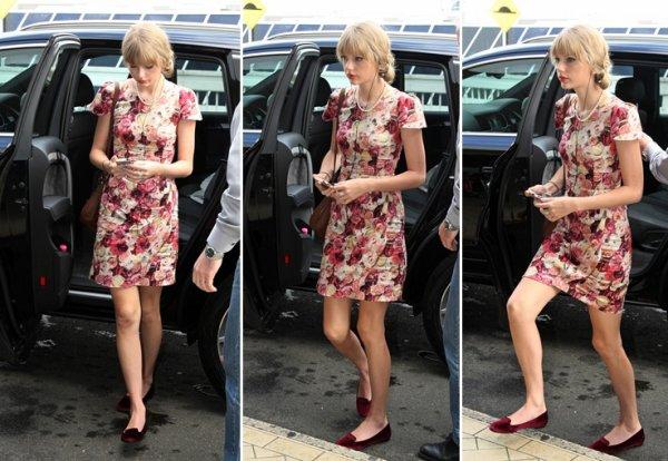 19 Mars 2012 ღ Taylor vue à l'aéropor de Sydney pour repartir aux Etats-Unis !