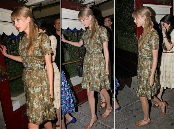 15 Mai 2012 ღ Taylor repéré au restaurant Dominic à Los Angeles avec Dianna Agron