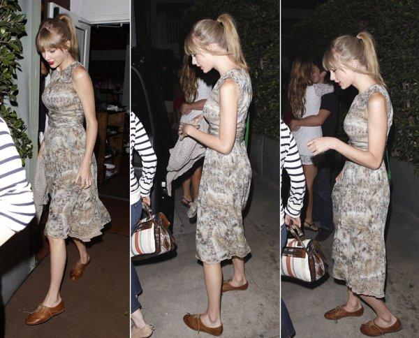 25 Mai 2012 ღ Taylor dîne avec son amie Claire et Rihanna au restaurant Giorgio Baldi