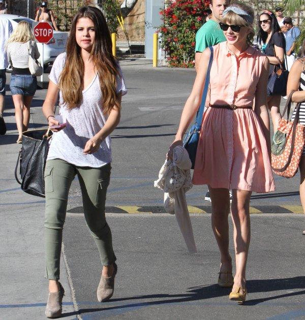 27 Juin 2012 ღ Taylor et Selena Gomez quittant un restaurant à Malibu