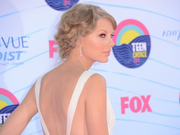 Taylor présente aux Teen Choice Awards 2012