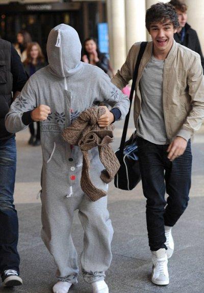 Le 13 décembre 2011 les One Direction ont été aperçut dans Londre .