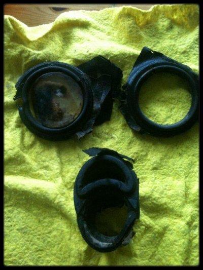 Masque anti-gaz Allemand trouvé dans un trou de bombe