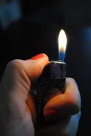 Apprend-moi à gérer l'énergie des flammes qui brûlent en moi. J'ai besoin de toi, pour cesser ce mal que je m'inflige et que j'inflige autour de moi//Pyromaniac//Help me..Do you promise?!