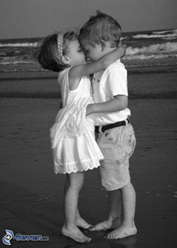 J't'adore tu sais ça ? ! J't'adore jour et nuit, même quand tu agis en débile pour me faire sourire. ..;)